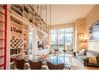 1st OPEN HOUSE this SUNDAY 1-2:30pm-Dare to fall in love with this stunning 2 bed/2 bath home, it boasts the most impressive 1,550 sq ft of private outdoor space at the incomparable View condo.