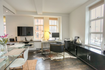 WEST CHELSEA, LONDON TERRACE, Junior One Bed., CORNER APT. FOR SALE